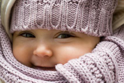 Bébé emmailloté: drôle d'idée ou idée de génie ?