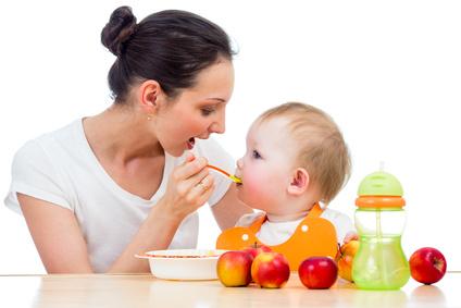 L'alimentation de bébé : comment nourrir correctement son enfant
